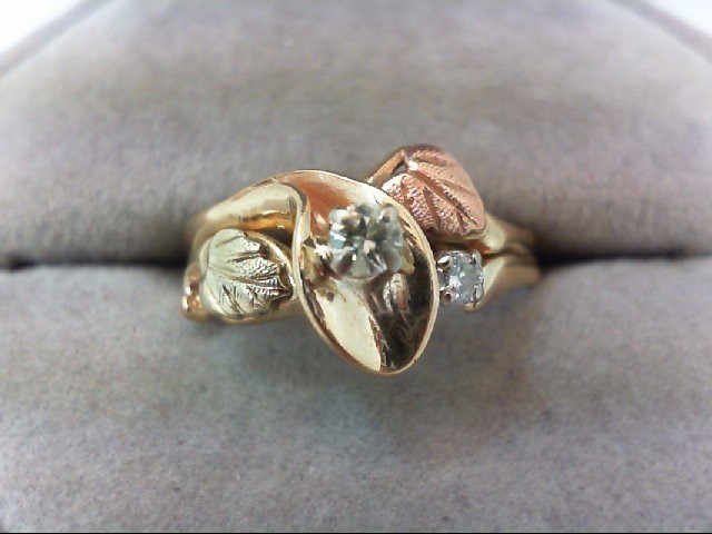 Lady's Diamond Wedding Set 2 Diamonds .17 Carat T.W. 14K Tri-color Gold 3.9g