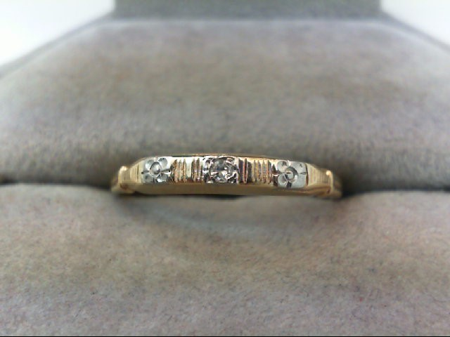 Lady's Gold Ring .01 CT. 14K Yellow Gold 1.3g