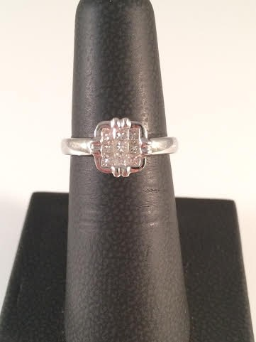 Lady's Diamond Cluster Ring 9 Diamonds .45 Carat T.W. 18K White Gold 4.6g