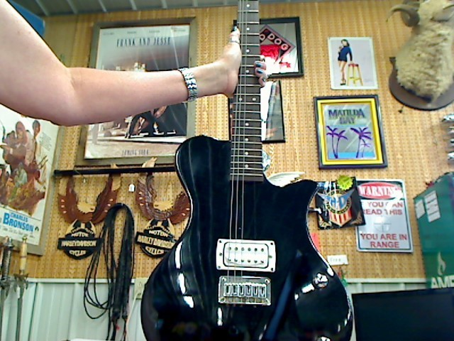 FIRST ACT Electric Guitar ME537