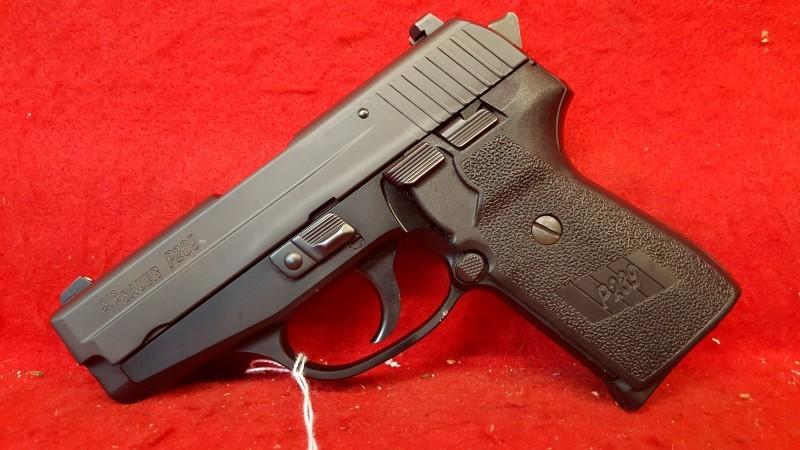 SIG SAUER Pistol P239