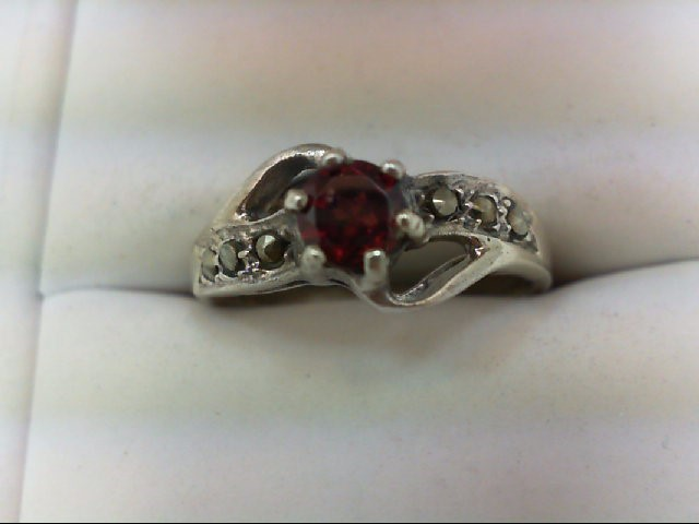 Synthetic Almandite Garnet Lady's Silver & Stone Ring 925 Silver 3.9g