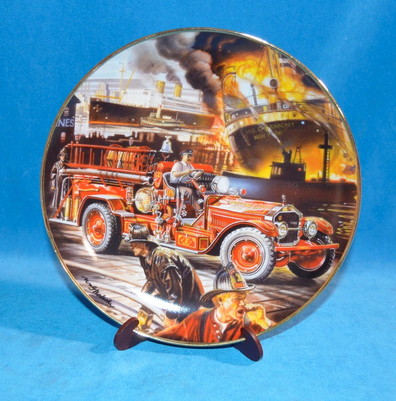 FRANKLIN MINT Collectible Plate 1925 AMERICAN LAFRANCE TRIPLE COMBINATION