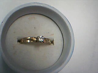 Lady's Diamond Solitaire Ring .10 CT. 10K Yellow Gold 2.04g