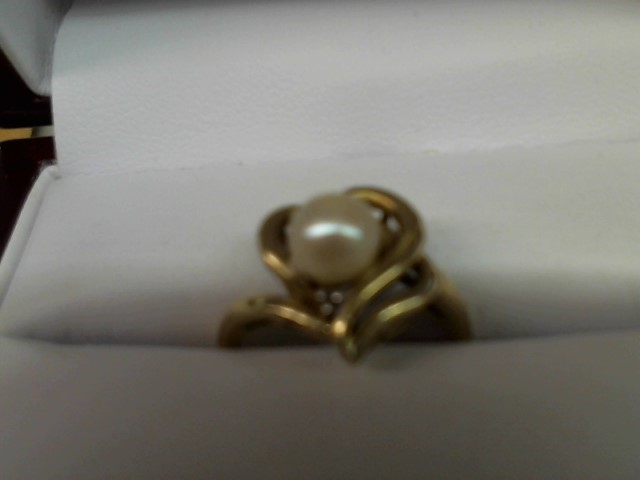 Synthetic Pearl Lady's Stone Ring 14K Yellow Gold 3g