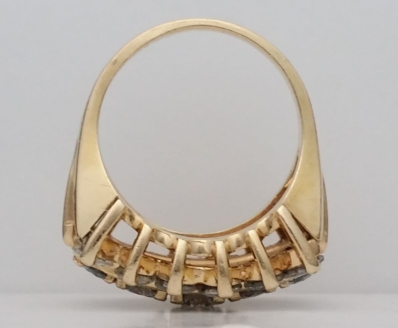 *GORGEOUS* 2.75 Carat Diamond Statement Ring set in 14K Size: 6.25