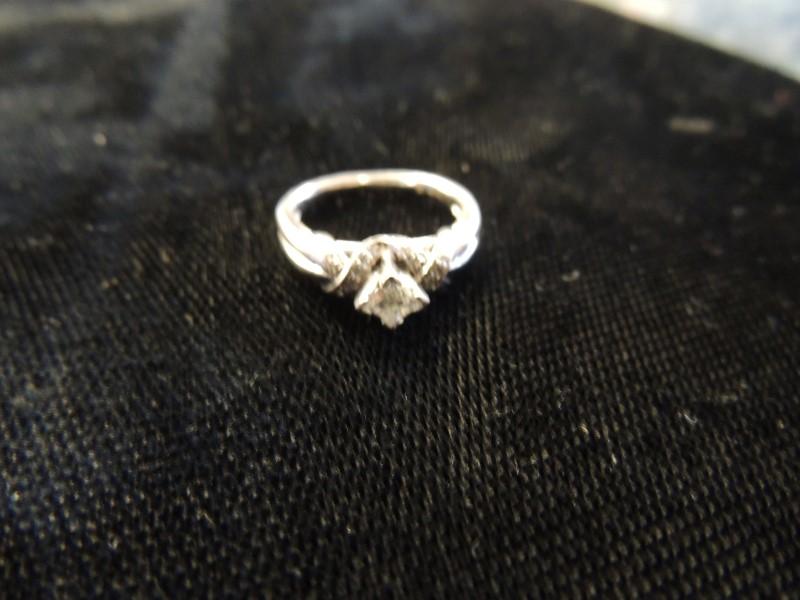 Lady's Diamond Cluster Ring 23 Diamonds .60 Carat T.W. 14K White Gold 3.6g