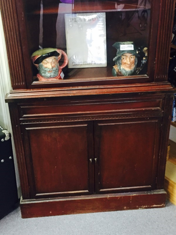 Corner Hutch with Glass Door and Underneath Cabinet