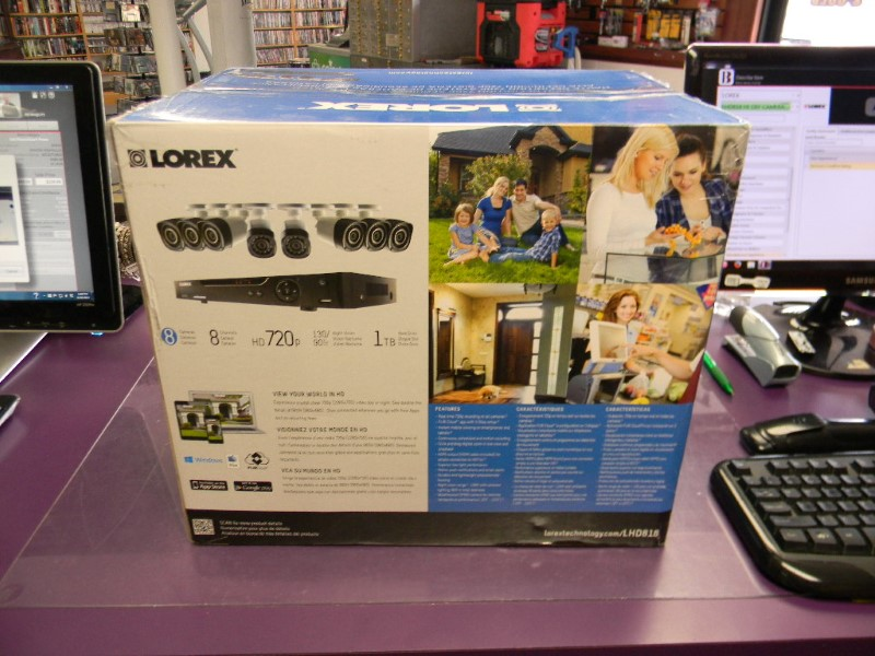 Lorex 8 Channel 720p HD Security System with 1TB HDD and 8 720p Cameras LHD818