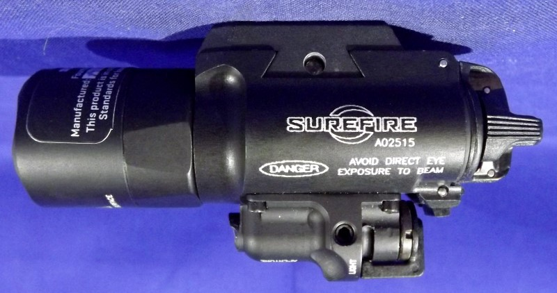 SUREFIRE X400 TACTICAL LIGHT