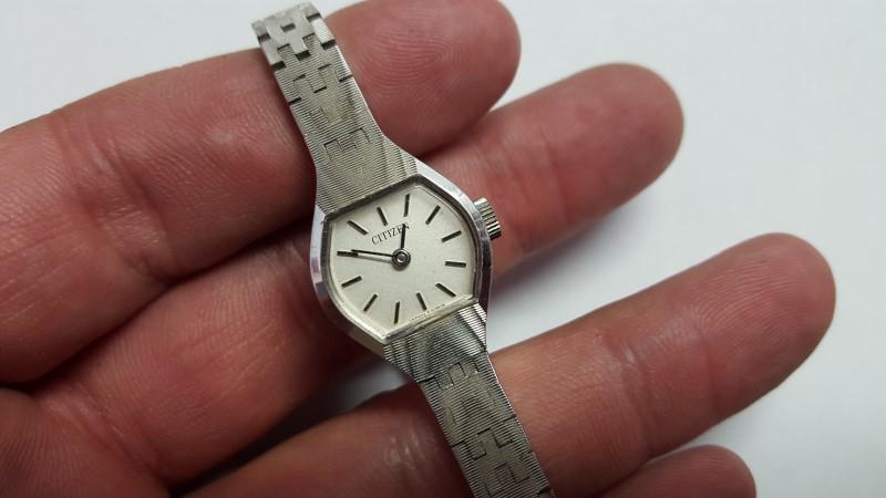 CITIZEN Lady's Wristwatch 6-151299 GB