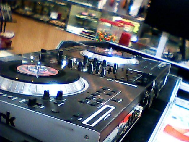 NUMARK ELECTRONICS DJ Equipment NS7