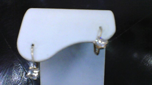 lady's 10k yellow gold princess cut cz lever back earrings