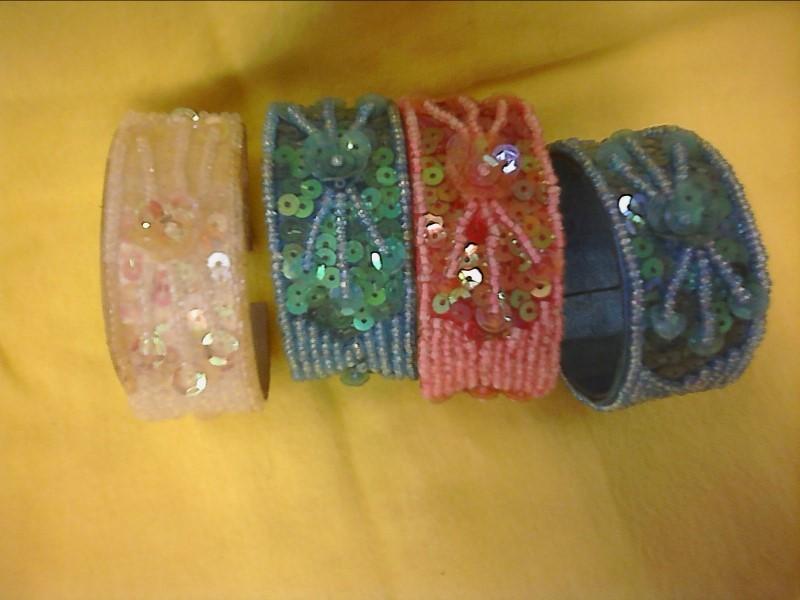 COSTUME NEW JEWELRY JEWELRY JEWELRY; WRAP BEADED BRACELETS - BLUE, PINK OR IRRID