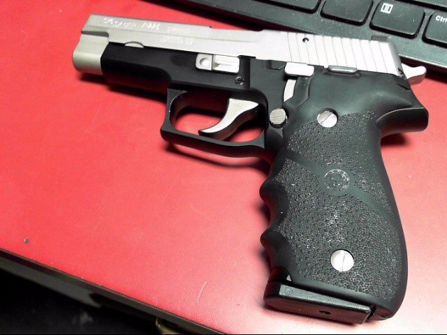 SIG SAUER Pistol P226 STAINLESS