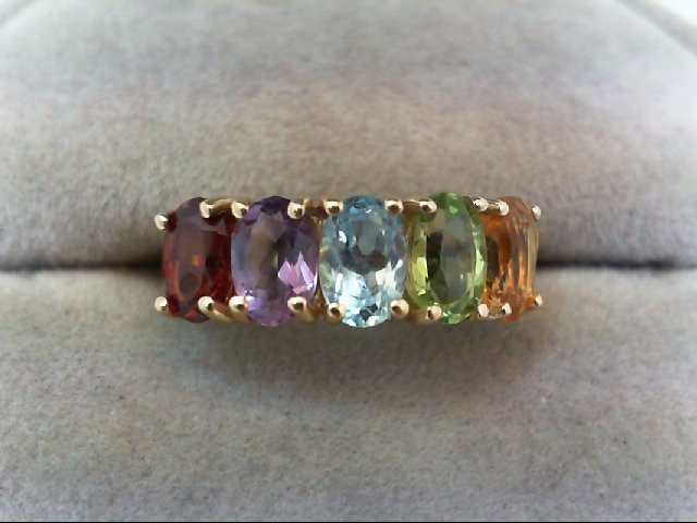 Almandite Garnet Lady's Stone Ring 14K Yellow Gold 3.1g