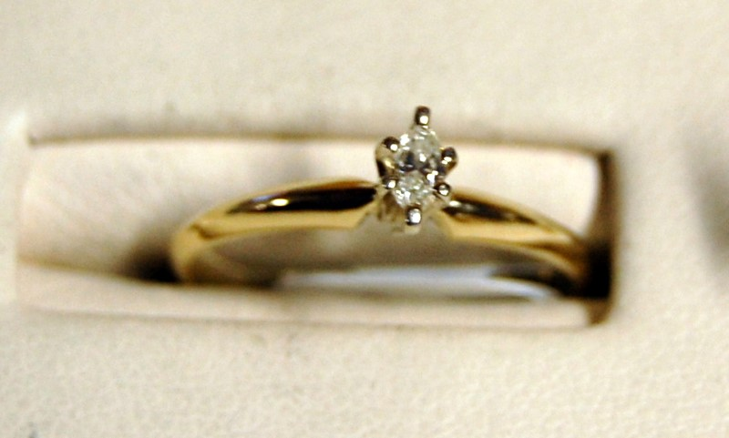 14K Yellow Gold Lady's Diamond Engagement Ring 1.4G 1/6CT Size 5.75