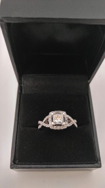Lady's Diamond Fashion Ring 35 Diamonds .84 Carat T.W. 14K White Gold 3.1dwt