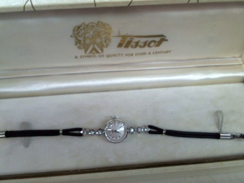 TISSOT Lady's Wristwatch T0482172701700
