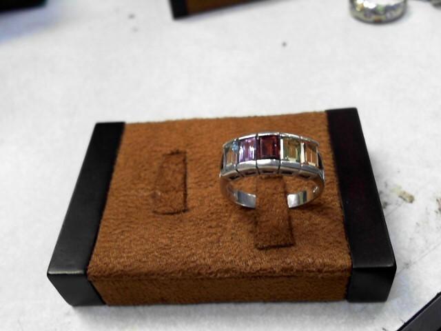Orange Stone Lady's Silver & Stone Ring 925 Silver 2.6dwt