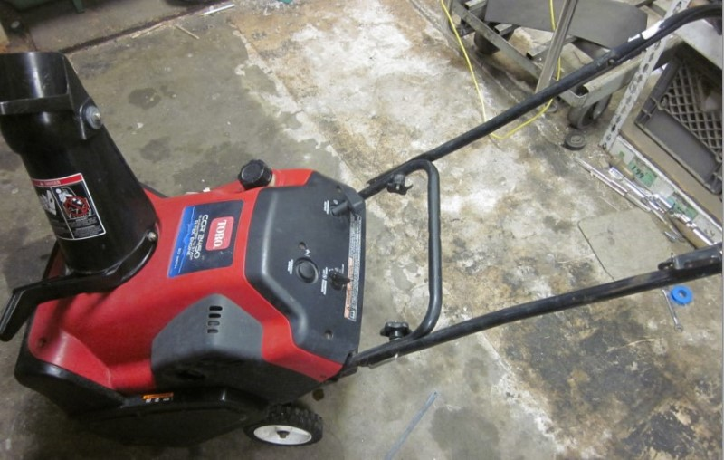 TORO SNOWBLOWER CCR2450