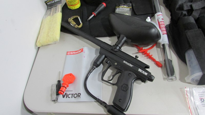 SPYDERCO Paintball VICTOR