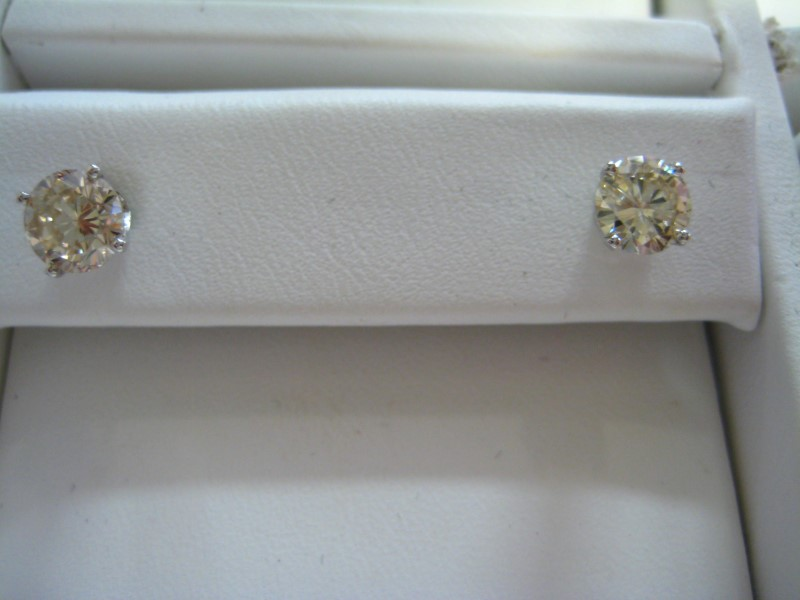 Gold Earrings 14K White Gold 1.1g