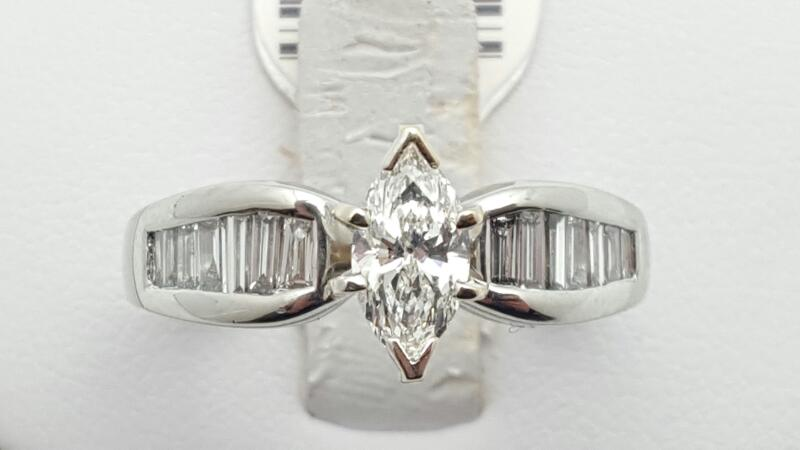 Lady's Platinum-Diamond engagement 15 Diamonds 1.09 Carats T.W. 950 Platinum 9g