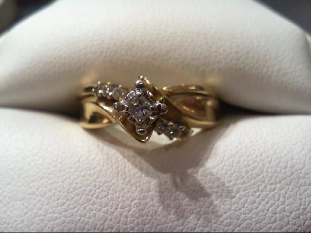 Lady's Diamond Wedding Set 7 Diamonds .18 Carat T.W. 14K Yellow Gold 5.3g