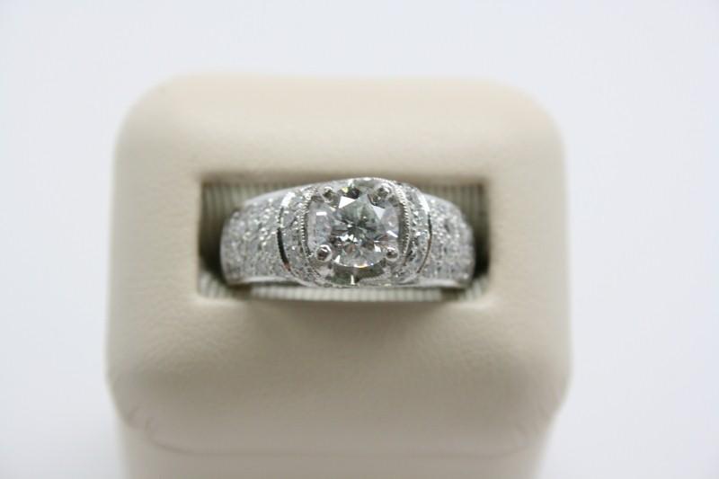 LADY'S FASHION DIAMOND RING PLATINUM