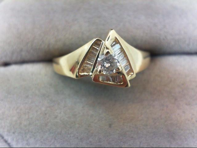 Lady's Diamond Fashion Ring 17 Diamonds .31 Carat T.W. 14K Yellow Gold 2.6g