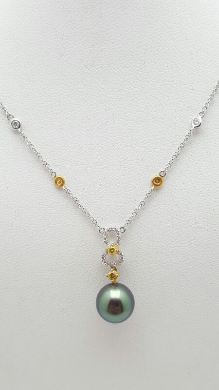 Pearl Diamond & Stone Necklace 24 Diamonds .29 Carat T.W. 18K 2 Tone Gold 4.4g
