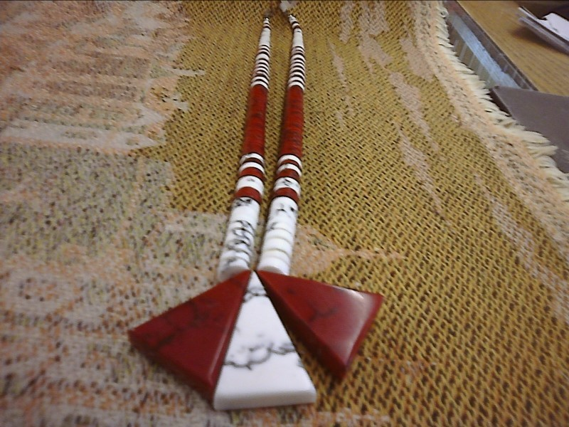 NECKLACE JEWELRY JEWELRY; WHITE SHALE  RED STONES TRI- SHAPE 3 TO MAKE ONE NECKL