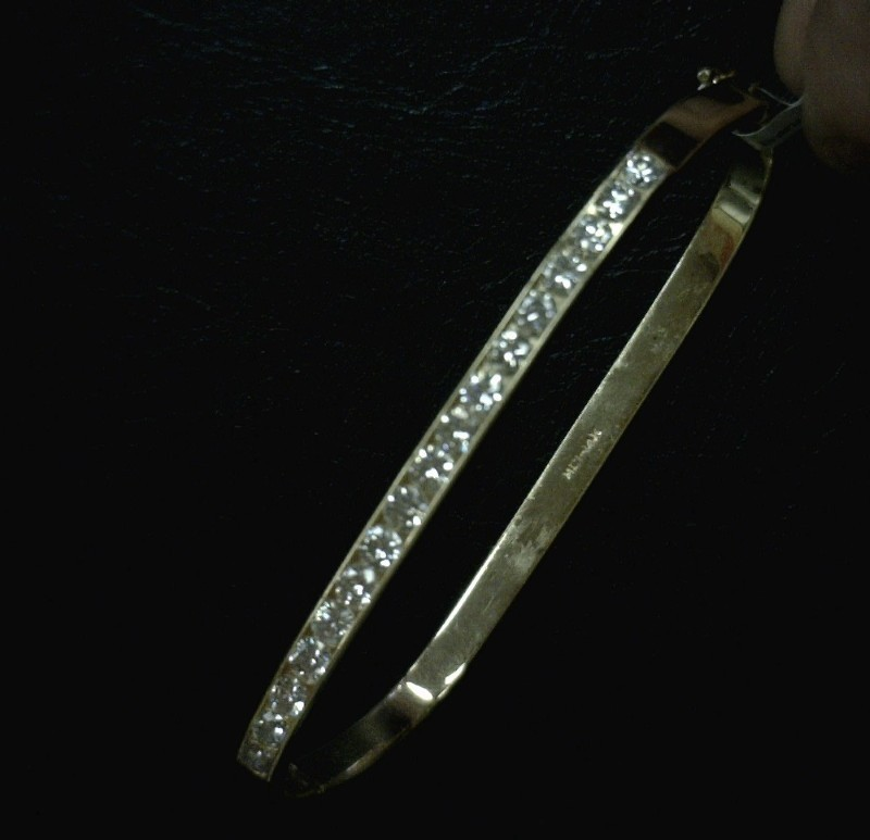 Gold-Diamond Bracelet 17 Diamonds 1.7 Carat T.W. 14K Yellow Gold 9.3dwt