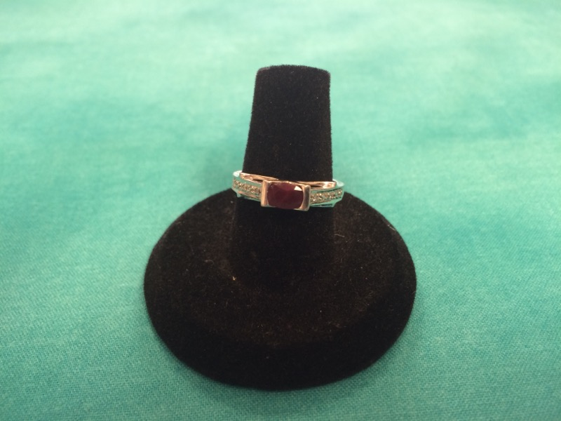 Red Stone Lady's Stone Ring 14K White Gold 1.8dwt