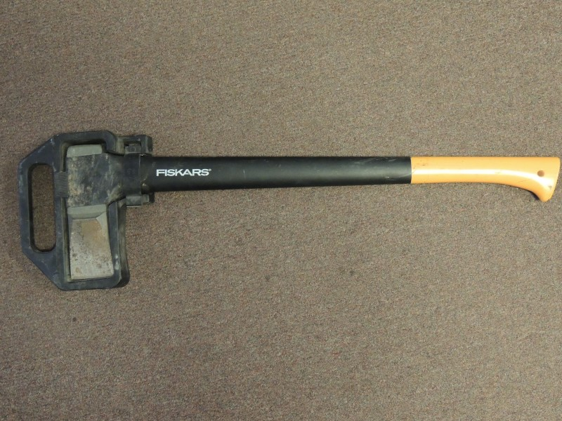 "FISKARS Hand Tool SPLITTING AXE FISKARS 28"" SPLITTING AX"