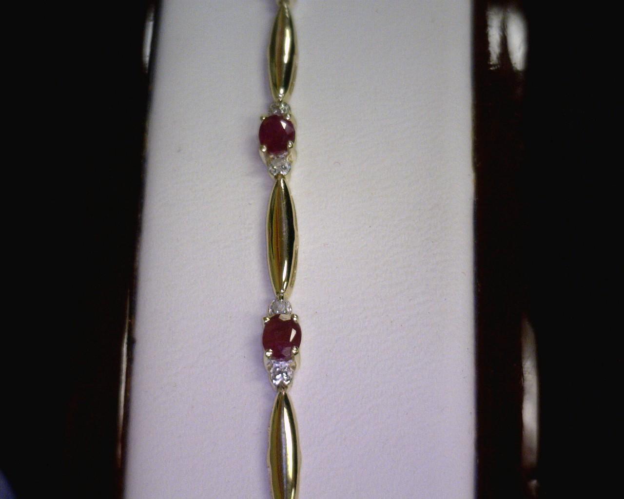 Ruby Gold-Stone Bracelet 10K Yellow Gold 2.7dwt