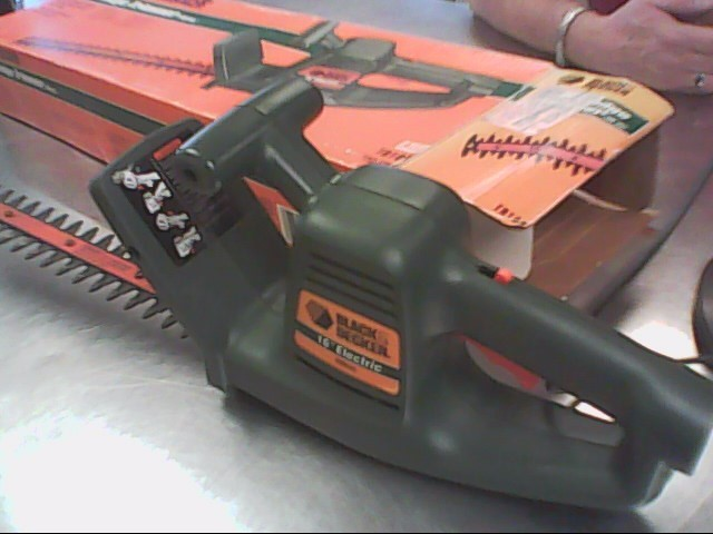 "BLK & DECKER 16"" HEDGE TRIMMER TR100"