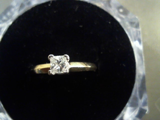 Lady's Diamond Solitaire Ring .40 CT. 14K Yellow Gold 1.9g Size:6.3
