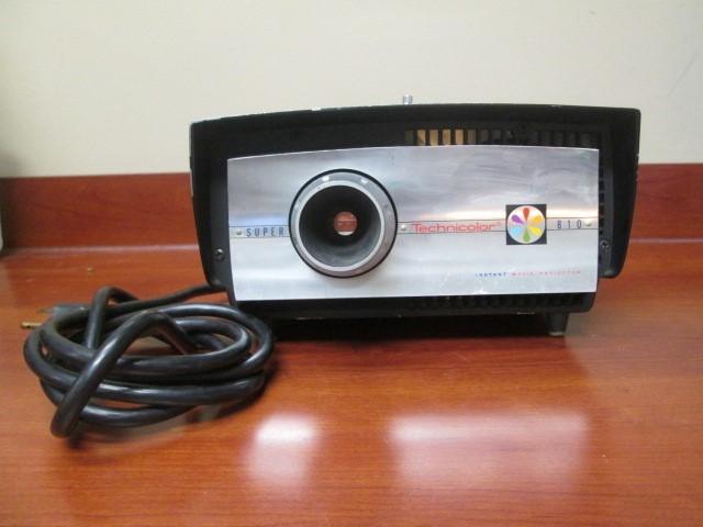 VINTAGE SUPER TECHNICOLOR INSTANT 810 MOVIE PROJECTOR
