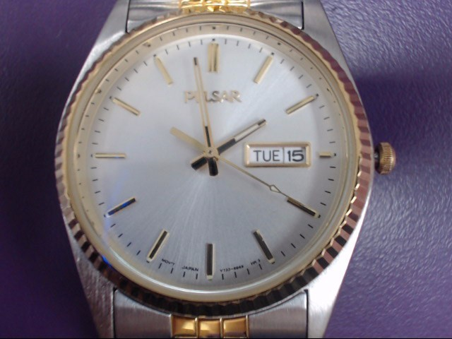 PULSAR Gent's Wristwatch V733-8A60