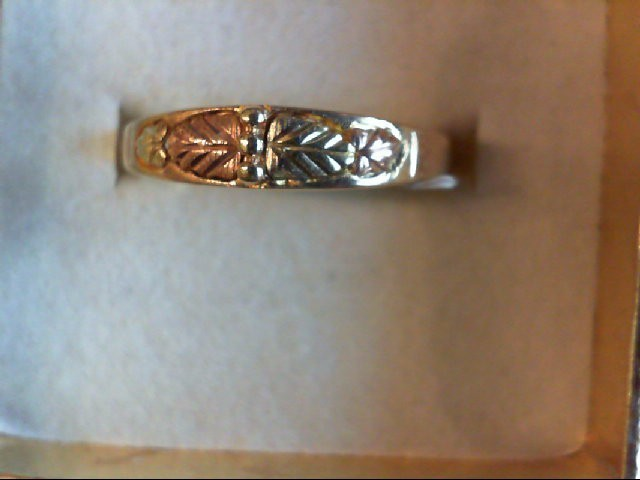 Lady's Gold Ring 10K 2 Tone Gold 2.1g Size:7.5