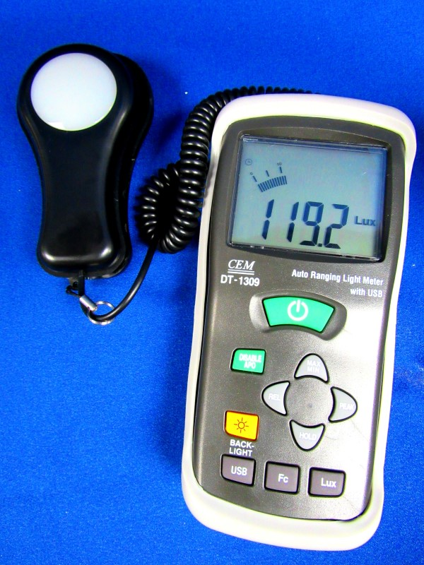 CEM DT-1309 AUTO RANGING LIGHT METER WITH USB INTERFACE
