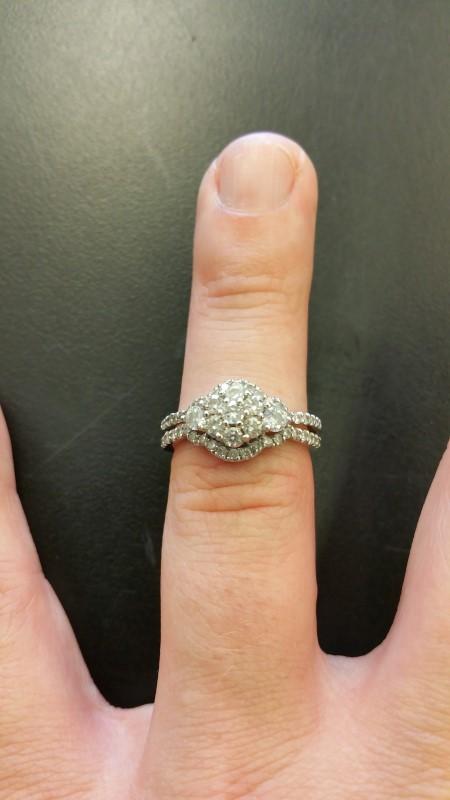 Lady's Diamond Cluster Ring 51 Diamonds 1.74 Carat T.W. 10K White Gold 3.1g