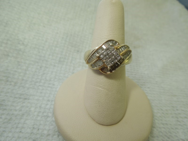 Lady's Diamond Fashion Ring 53 Diamonds 1.01 Carat T.W. 10K Yellow Gold 6.5g