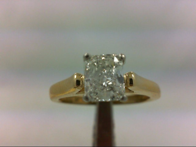 Lady's Diamond Solitaire Ring 1.40 CT. 18K Yellow Gold 6.34g