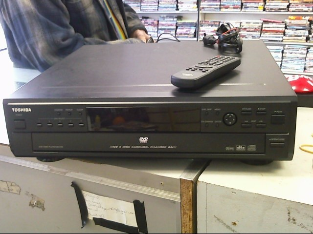 TOSHIBA DVD Player SD-2705U