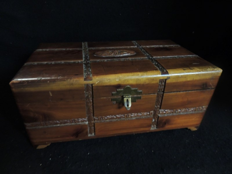 WOOD BOX BRASS HARDWARE 10.5X6