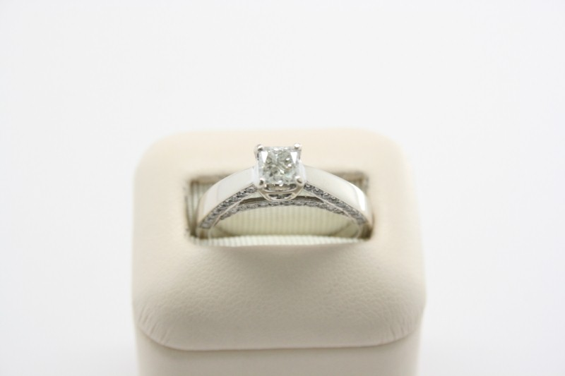 LADY'S PRINCESS CUT DIAMOND RING 14K WHITE GOLD