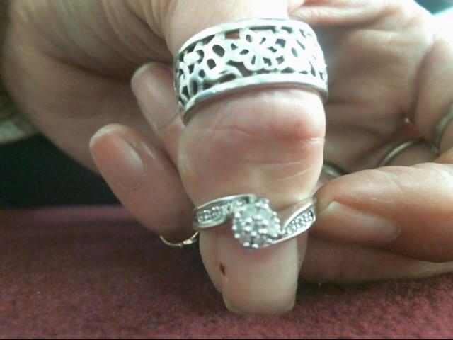 Lady's Diamond Fashion Ring 15 Diamonds .22 Carat T.W. 14K 2 Tone Gold 2.4dwt